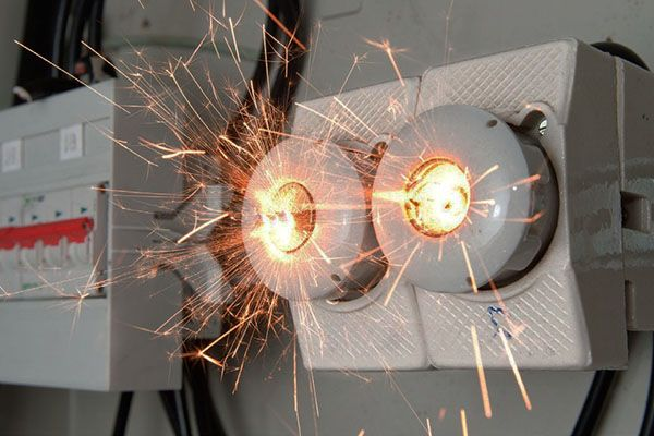 неполадки и проблемы в электрике фото
