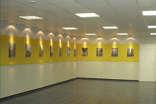 освещение в галерее фото