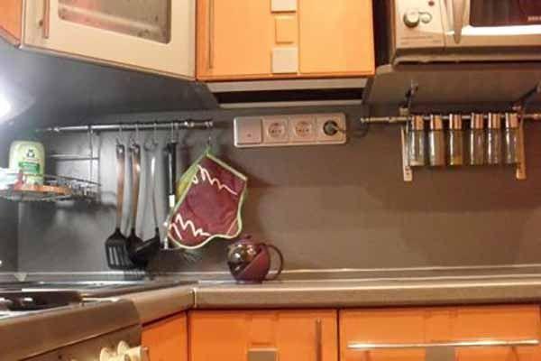 расположение розеток на кухне фото