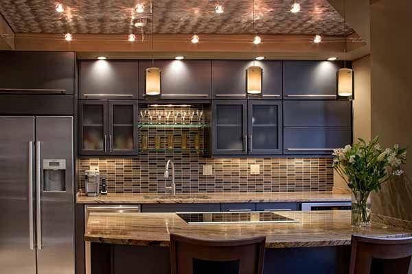 электропроводка и электромонтаж на кухне фото